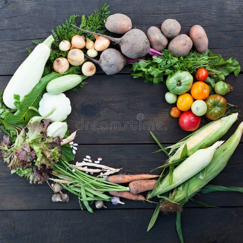 Fundo dos alimentos frescos de Veg, mercado saudável Vegetais org?nicos imagens de stock royalty free