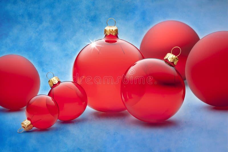 Fundo dos Baubles do Natal foto de stock