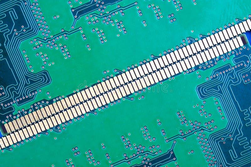 Fundo dos contatos do verde do circuito eletrônico fotos de stock