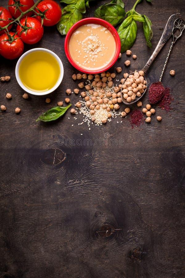 Fundo dos ingredientes de Hummus fotografia de stock
