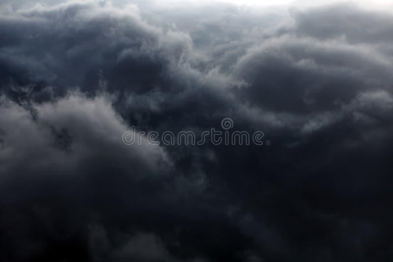 Fundo dramático das nuvens fotografia de stock
