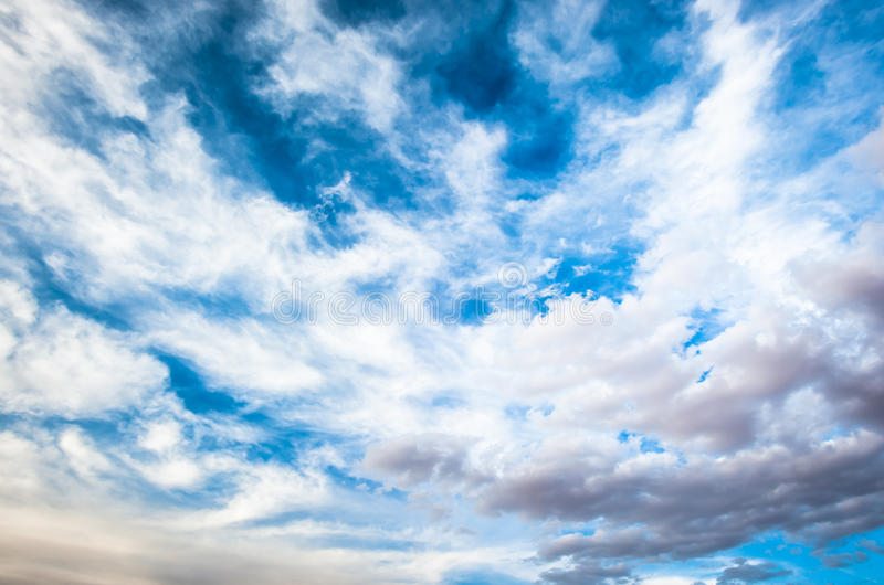 Fundo dramático do céu nebuloso fotografia de stock royalty free