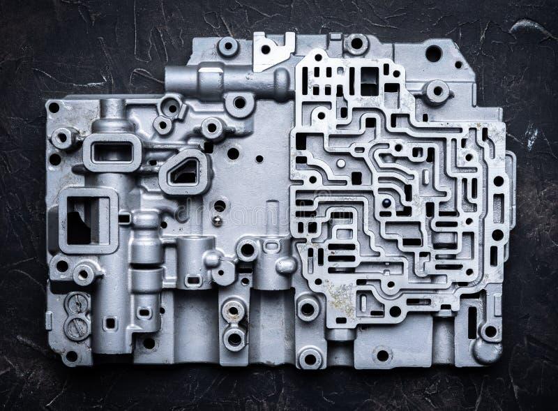 Fundo e teste padrão das peças de metal velhas da caixa do câmbio de marchas transmissões e engrenagens do Hidro-cérebro imagens de stock royalty free