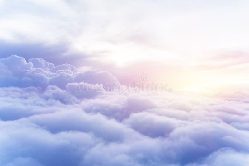 Fundo ensolarado do céu imagem de stock
