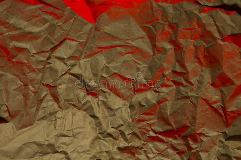 fundo estrutural vermelho amarrotado papel do amarelo da textura imagens de stock