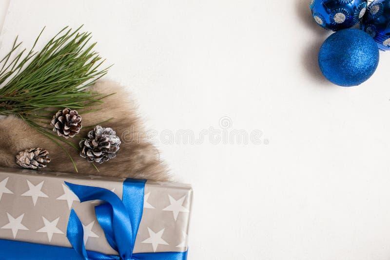 Fundo festivo de presentes de Natal imagem de stock royalty free