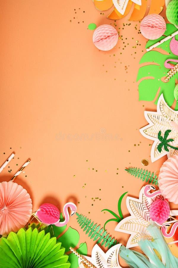 Fundo festivo Tema tropical havaí Partido, aniversário Vista de acima Configuração lisa imagem de stock