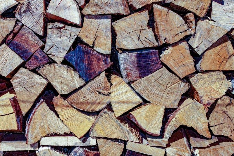 Fundo fotografia do corte e da madeira empilhada a madeira ? usada ainda como hoje do combust?vel fotos de stock royalty free