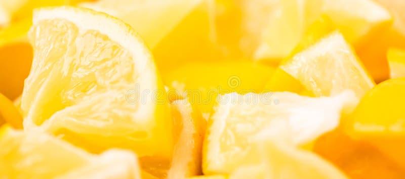 Fundo gráfico do alimento moderno com limão Conceito criativo abstrato da bandeira Cores brilhantes fotografia de stock