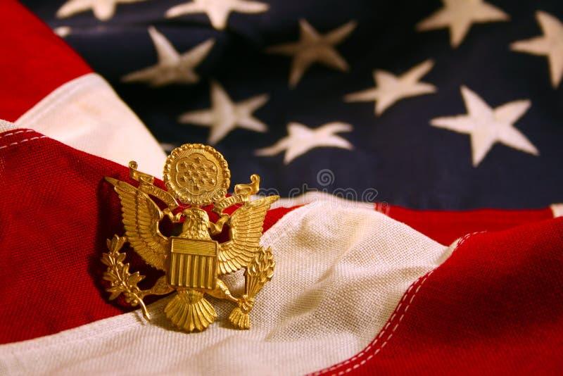 Fundo horizontal da bandeira dos E.U. com emblema da águia imagem de stock royalty free