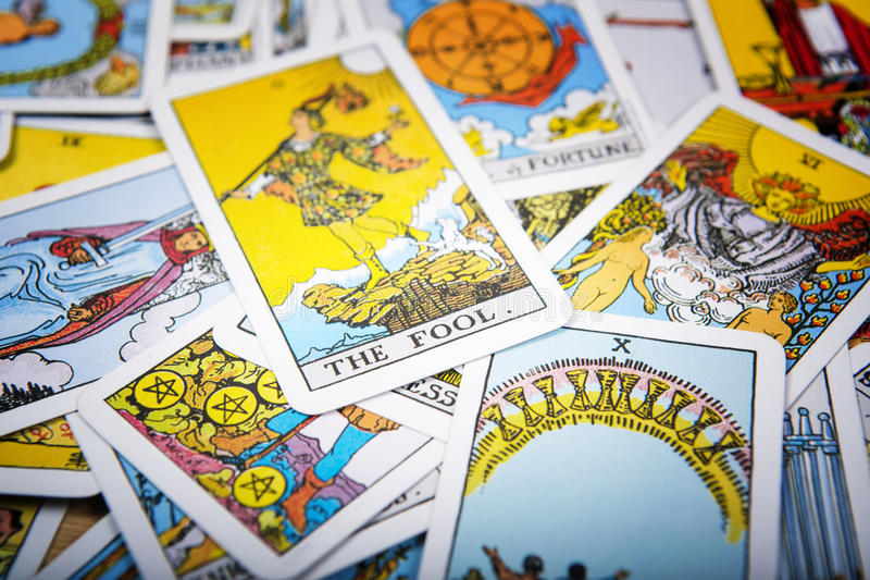 Fundo místico dos cartões de tarô Tolo superior do cartão imagem de stock royalty free