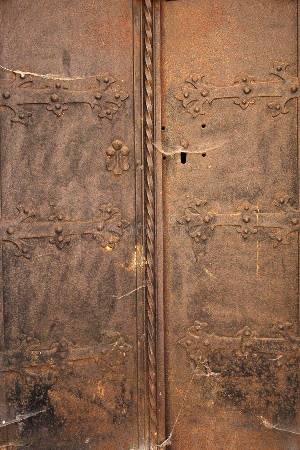 Fundo medieval da porta do vintage do metal foto de stock royalty free