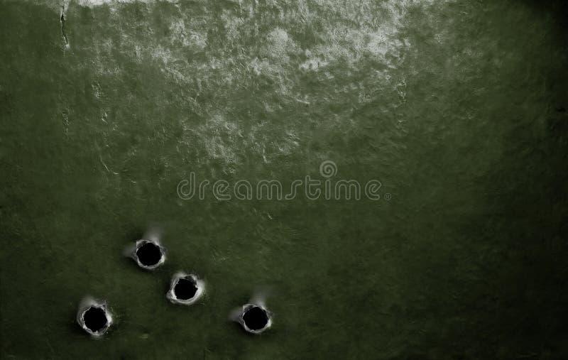 Fundo militar verde da armadura do metal com buracos de bala imagens de stock royalty free