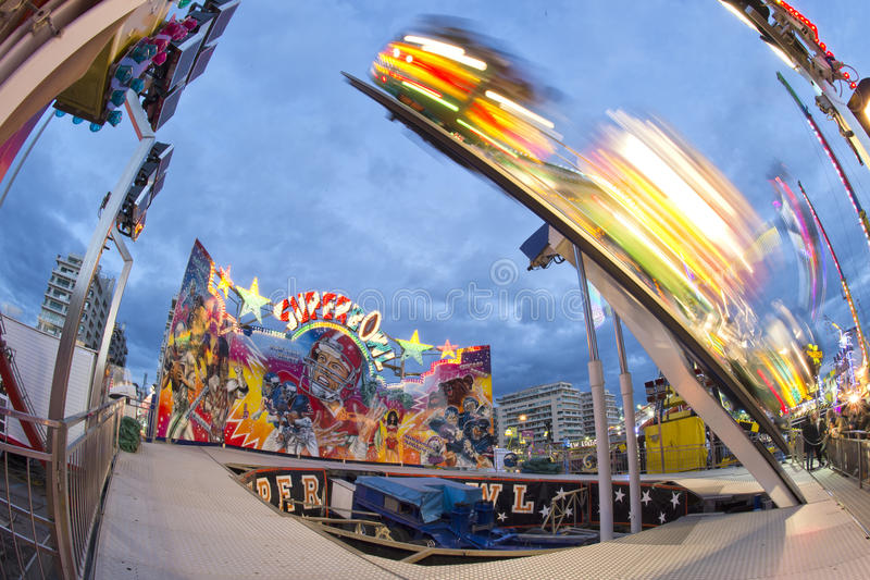 Fundo movente das luzes de Luna Park do carnaval da feira de divertimento fotografia de stock royalty free