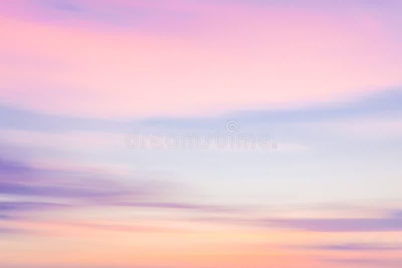 Fundo natural do céu Defocused do por do sol com mot de filtração borrado fotos de stock