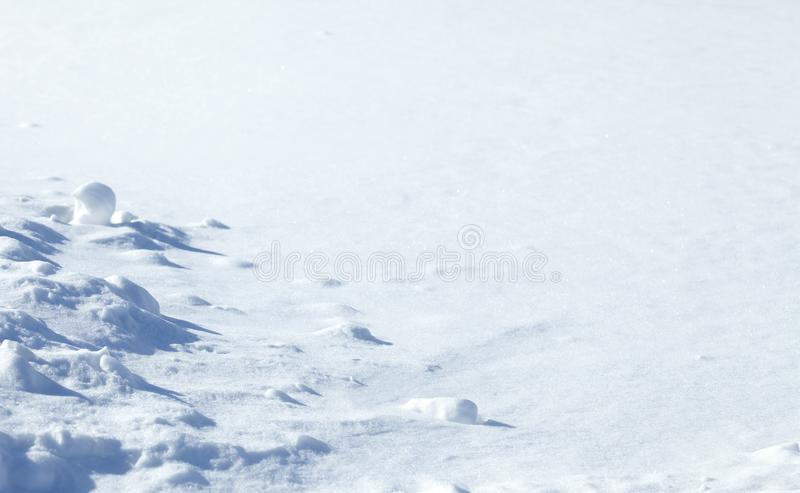 Fundo natural do inverno com neve Fundo de Snowy White fotografia de stock royalty free