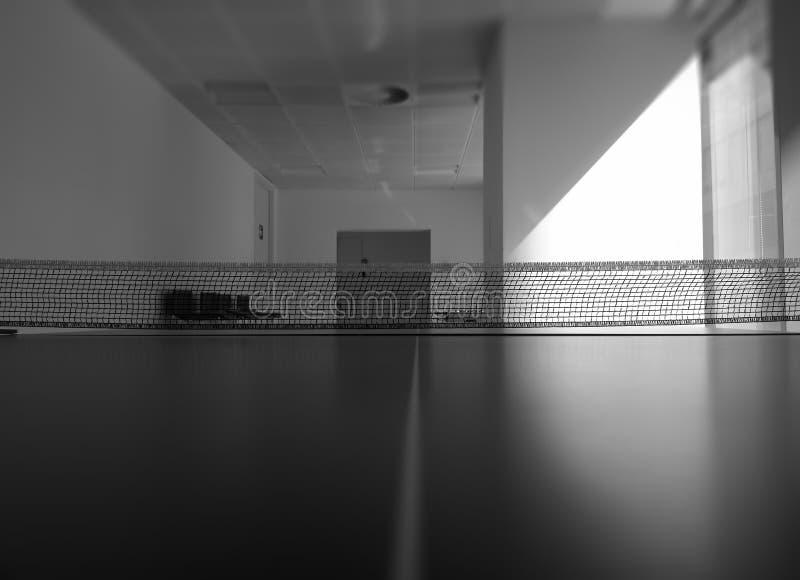 Fundo preto e branco do objeto do esporte da rede do tênis fotografia de stock royalty free