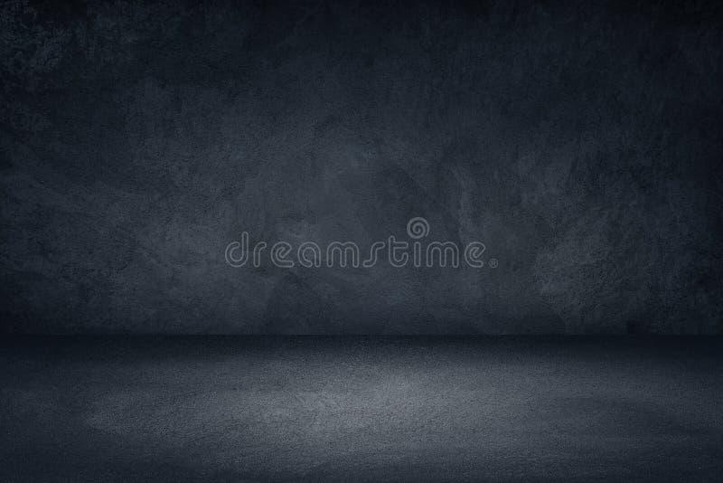 Fundo sujo preto e azul escuro da parede para a exposição ou a montagem do produto imagens de stock
