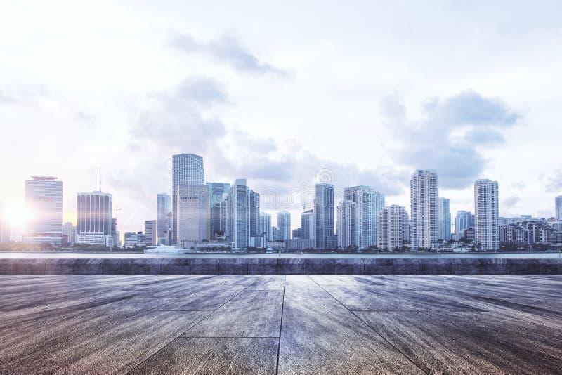 Fundo urbano com luz solar fotografia de stock