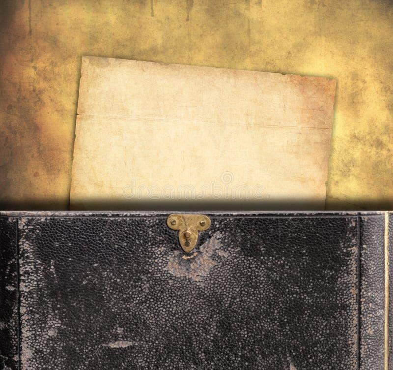 Fundo velho do papel e do livro foto de stock royalty free