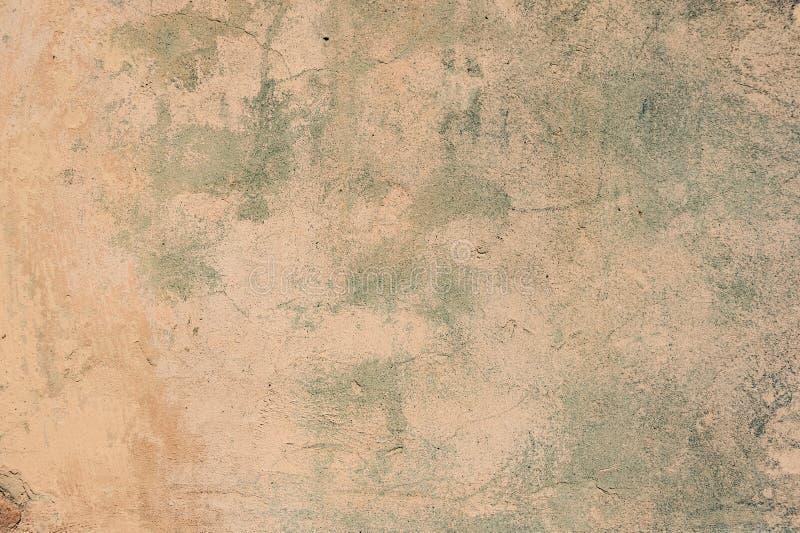 Fundo velho rachado e da casca da pintura da parede foto de stock