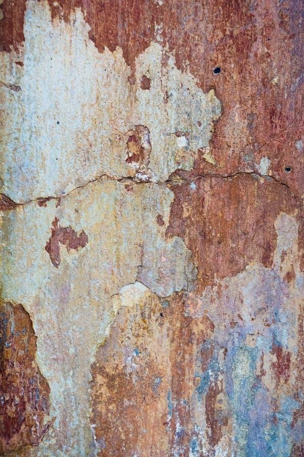 Fundo velho rachado e da casca da pintura da parede Te clássico do grunge imagem de stock royalty free
