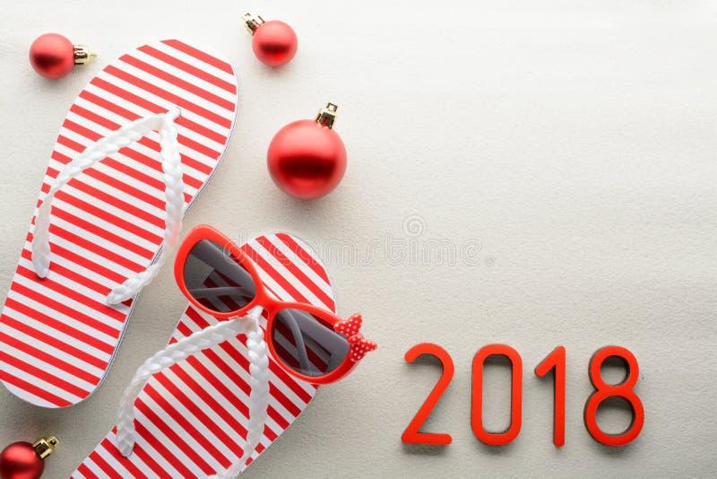 Fundo vermelho e do branco 2018 do ano novo do verão imagens de stock