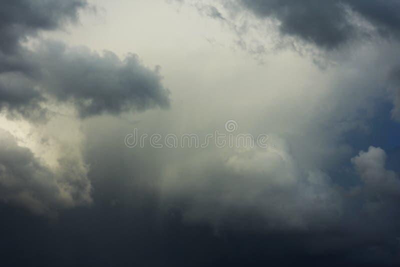 Fundos das nuvens de tempestade fotos de stock royalty free