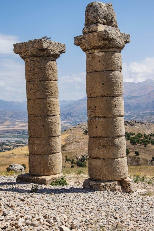 Funerary kolommen in Karakus stock foto