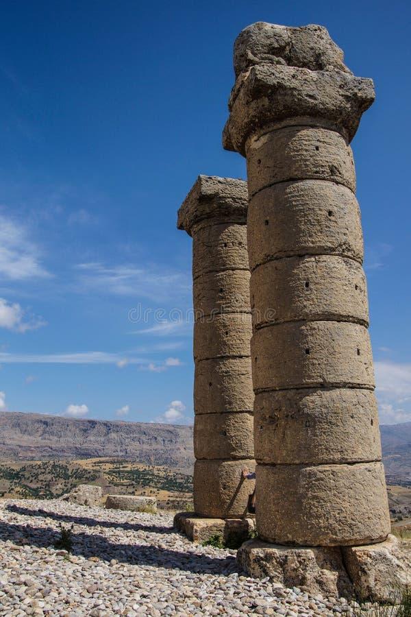 Funerary kolommen in Karakus stock afbeeldingen