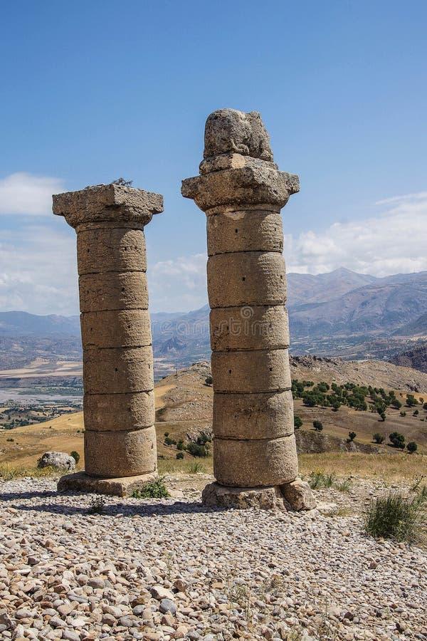 Funerary kolommen in Karakus stock afbeelding