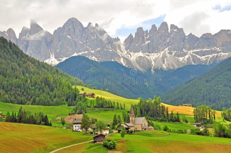 Funes,波尔查诺 在白云岩的惊人的风景 库存图片