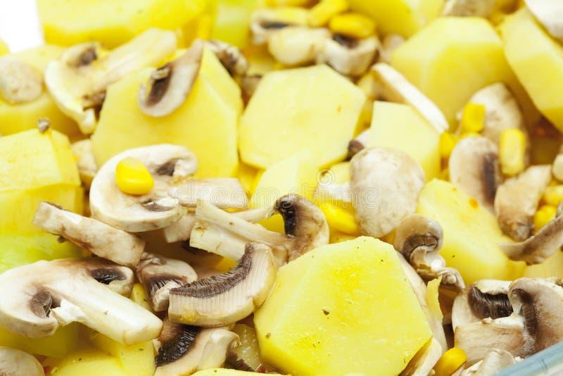 Funghi e cereale delle patate immagini stock