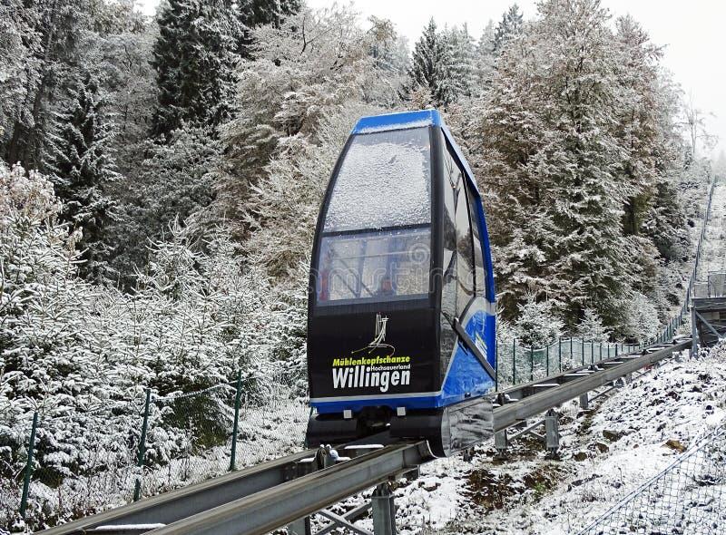 Funiculaire au saut à skis Muehlenkopfschanze dans Willingen, Allemagne image stock