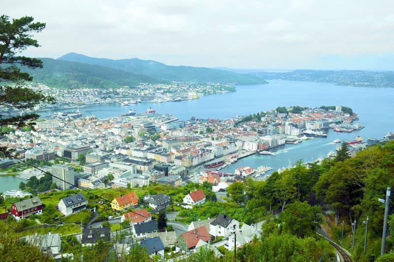 Funiculaire sur le bâti Floyen à Bergen, Norvège image libre de droits