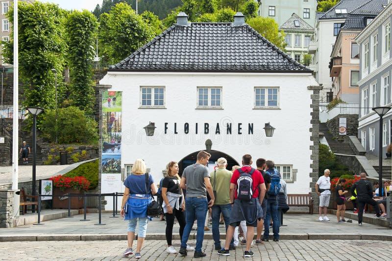 Funiculaire sur le bâti Floyen à Bergen, Norvège images libres de droits