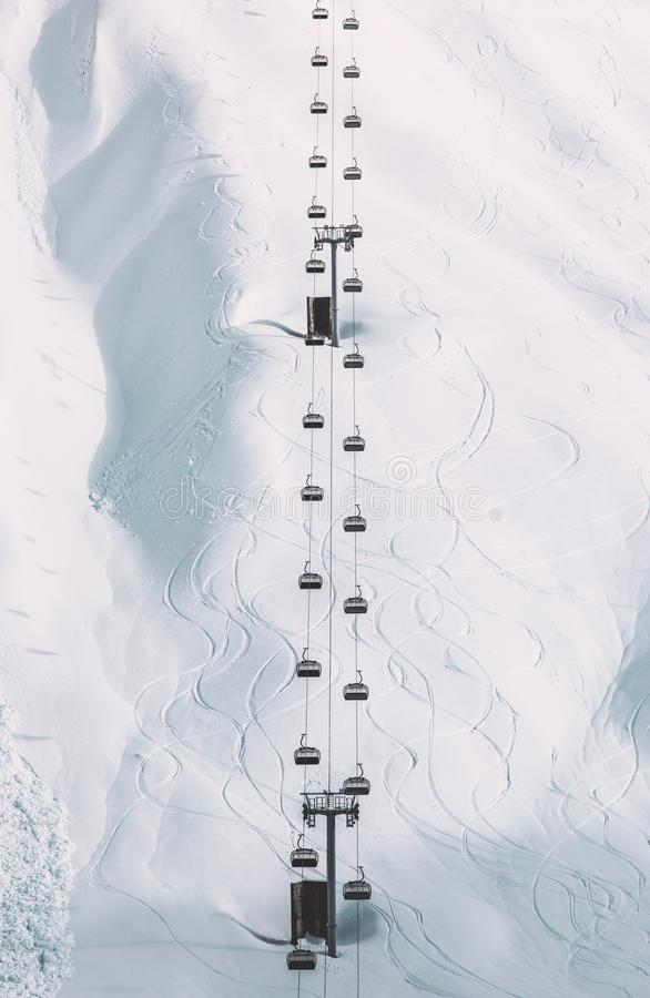 Funikuläre Kabelkabinenwinter-Landschaftsminimale Art stockfoto