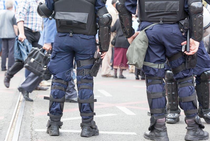 Funkcjonariuszi policji na obowiązku Terroryzm obraz stock