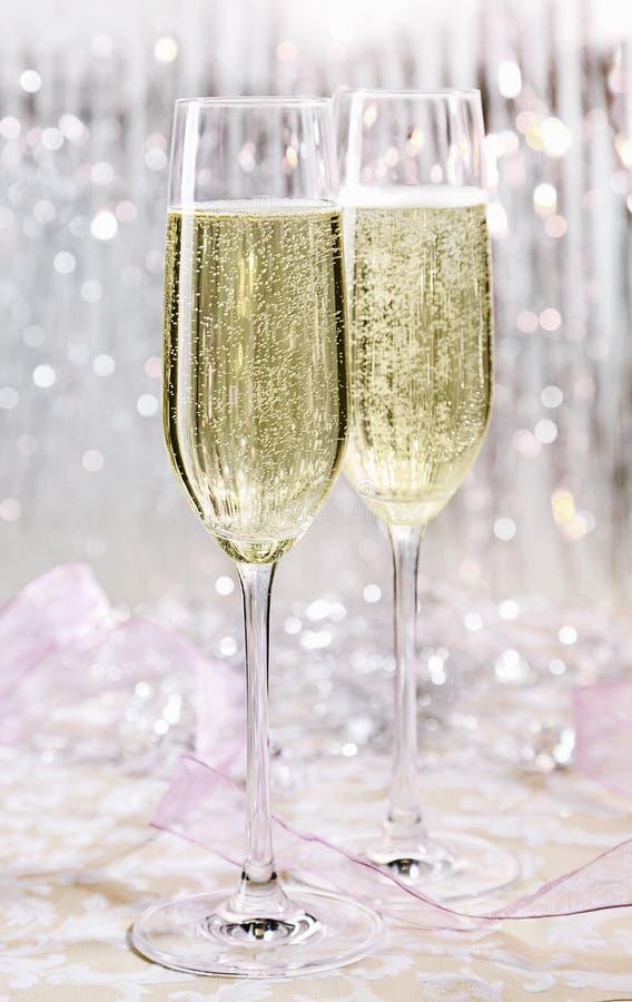 Funkelndes festliches Champagne-Funkeln, skoal stockbilder