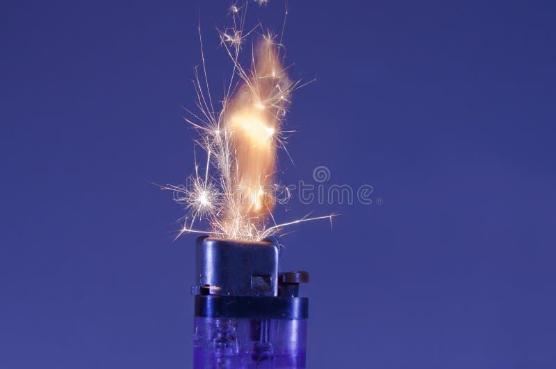 Funkenfeuerzeug. lizenzfreies stockbild