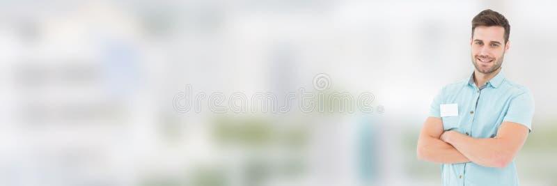 Funktionsduglig man framme av suddig bakgrund royaltyfri foto