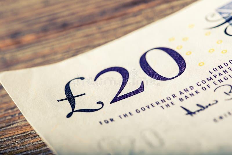 Funtowa waluta, pieniądze, banknot Angielska waluta UK banknoty różne wartości brogować na each inny zdjęcia stock