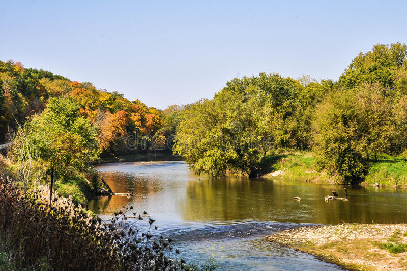 Funzionamento del fiume immagini stock libere da diritti