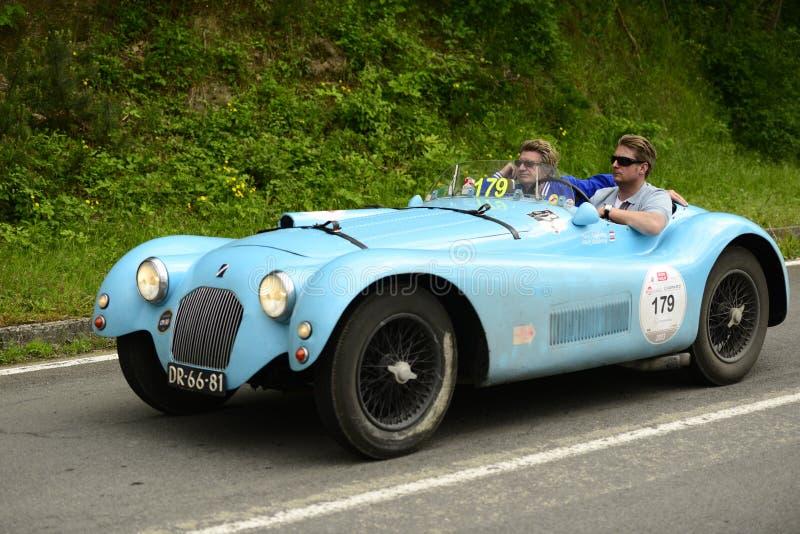 Funzionamento di Talbot Lago Spider nella corsa di Mille Miglia fotografia stock libera da diritti