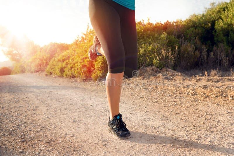 Funzionare dei piedini dell'atleta fotografia stock libera da diritti