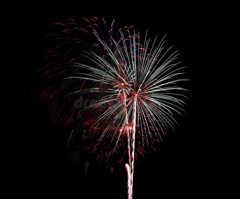 Fuochi d'artificio bianchi e rossi sopra Alessandria d'Egitto, Va 2018 fotografie stock