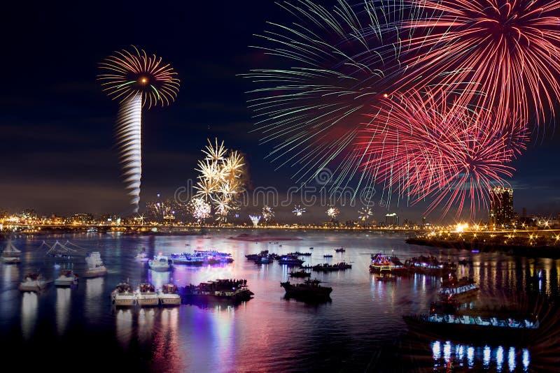 Fuochi d'artificio della città di Taipeh fotografie stock libere da diritti