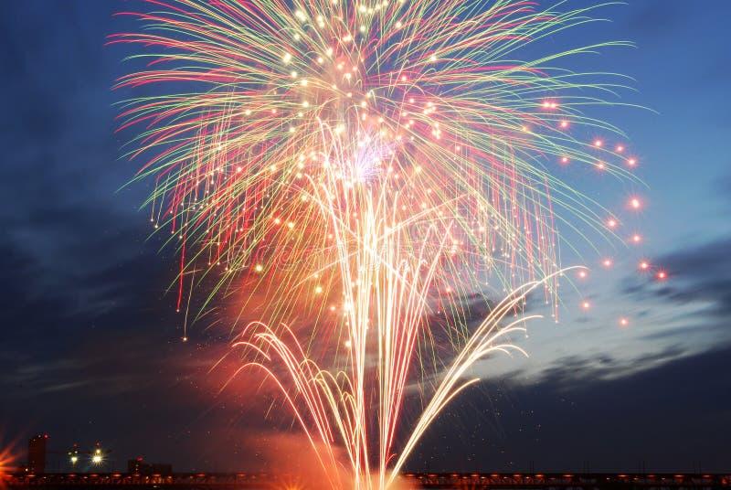 Fuochi d'artificio di giorno del Canada a Edmonton immagine stock libera da diritti