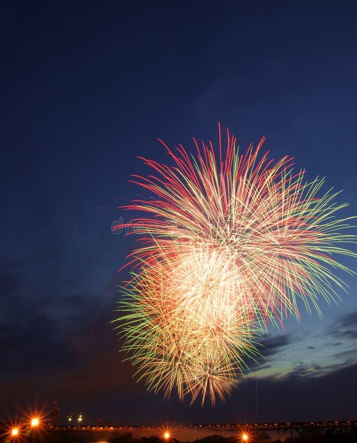Fuochi d'artificio di giorno del Canada a Edmonton fotografie stock libere da diritti