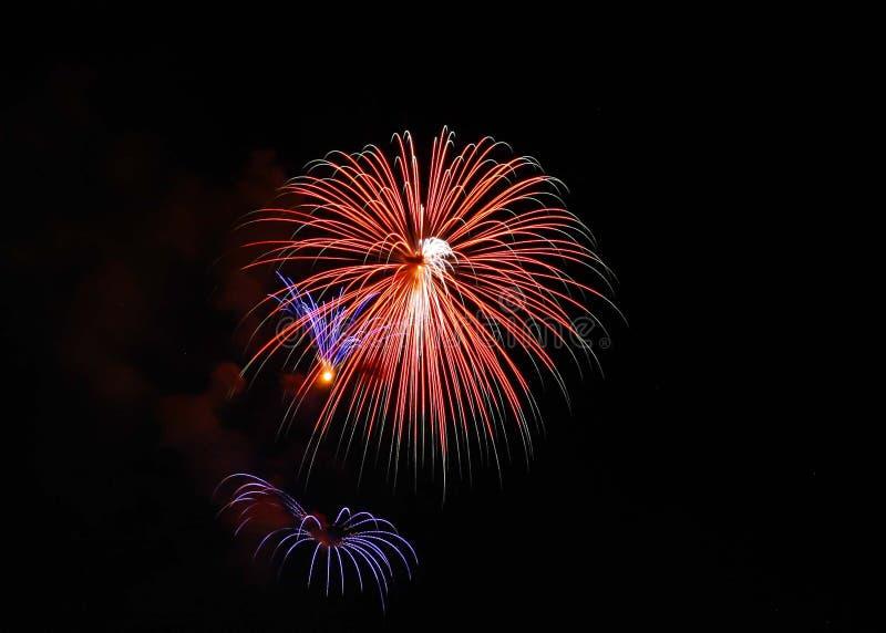 3 fuochi d'artificio separati sopra Alessandria d'Egitto, Va 2018 fotografie stock libere da diritti